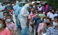 Bệnh nhân COVID-19 tăng đột biến, Thái Lan đối phó với đợt bùng phát dịch COVID-19 mới