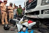 Ngày nghỉ lễ thứ ba 16 người tử vong vì tai nạn giao thông