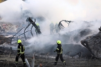 Hỏa hoạn thiêu rụi hàng chục xe bồn ở Kabul, 23 người thương vong