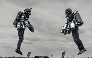 Lộ clip lính thủy đánh bộ Anh bay bằng bộ đồ phản lực cá nhân