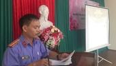 VKSND thành phố Huế tuyên truyền luật bầu cử đến người dân các phường xã