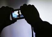 Gửi ảnh khỏa thân cho bạn trai quen qua facebook, cô gái bị tống tiền hàng trăm triệu đồng