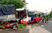 Xe khách đối đầu kinh hoàng với xe tải trên đường Hồ Chí Minh