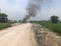 """CLIP  Đốt rác """"đầu độc"""" môi trường sống, người dân kêu cứu"""