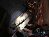 Quái xế tông trọng thương một CSGT và dân quân