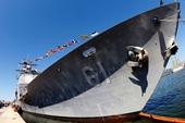 Tàu tuần tra Mỹ nổ súng cảnh cáo khi chạm trán với tàu Iran
