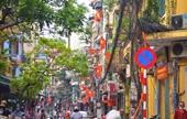 Đường phố Hà Nội rực rỡ cờ hoa chào mừng sinh nhật Bác và Ngày hội non sông