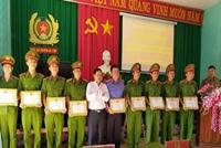 Khen thưởng Kiểm sát viên có thành tích xuất sắc trong chuyên án ma tuý vùng biên