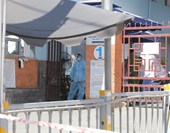 TP HCM Hai nhân viên làm việc tại Bệnh viện quận Tân Phú nghi mắc COVID-19