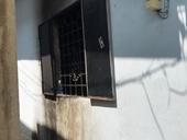 Truy tìm kẻ thủ ác khóa cửa ngoài, đổ xăng đốt hai vợ chồng trong ki ốt