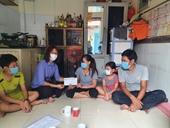 VKSND TP Dĩ An trao tiền ủng hộ một bệnh nhân mắc trọng bệnh