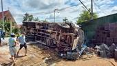 Tai nạn thảm khốc trên đường Hồ Chí Minh, 2 người chết, 4 người bị thương