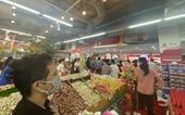 Chuẩn bị cách ly toàn TP Hà Tĩnh, người dân đổ xô đi mua thực phẩm tích trữ