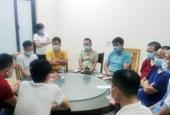 Bất chấp lệnh cấm, 18 chuyên gia Trung Quốc vẫn tụ tập ăn uống