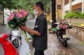 Người bán hoa sen rong bị phạt 3 triệu đồng và cách ly 21 ngày