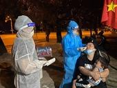 """Chuyện các """"chiến binh CDC"""" xuyên đêm truy vết, lấy mẫu xét nghiệm COVID-19"""