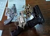 Bắt tội phạm ma túy, thu giữ 4 khẩu súng dạng Rulo cùng 32 viên đạn