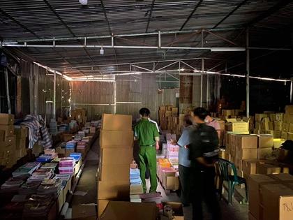 Đường dây sản xuất sách giáo khoa giả, thu lợi gần 50 tỉ đồng