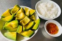 Lạ lùng món cơm với bơ dễ gây nghiện ở vùng đất đỏ Bazan