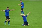 Italy ì ạch vào tứ kết Euro