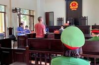 Viện trưởng tặng Bằng khen cho tập thể, cá nhân trong công tác phòng, chống dịch COVID-19