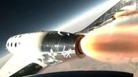 Tỉ phú Richard Branson thực hiện thành công chuyến bay lên vũ trụ bằng máy bay siêu thanh gắn tên lửa