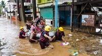 Mưa lũ nhấn chìm miền tây Ấn Độ, hàng trăm người thiệt mạng