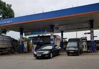 Từ 15 giờ chiều nay, xăng dầu giảm giá nhẹ