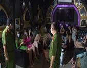 Chủ quán karaoke và khách bị phạt 75 triệu đồng, buộc cách ly tại chỗ