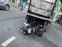 Tông vào xe rác, một người tử nạn