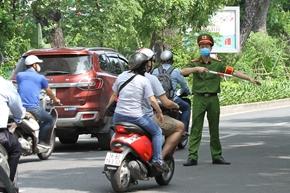 Hơn một tuần giãn cách, Hà Nội xử phạt trên 8 tỉ đồng