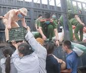 Người dân Hà Tĩnh tiếp tục quyên góp gần 120 tấn hàng hóa ủng hộ các tỉnh phía Nam