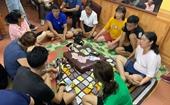 Cán bộ xã cùng hàng chục đối tượng tụ tập đánh bạc, bất chấp dịch COVID-19