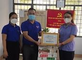 Chi đoàn VKSND tỉnh Đắk Lắk tặng sữa,đồ chơi, sách truyện cho thiếu nhi tại khu cách ly