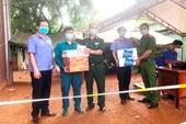 Công đoàn VKSND huyện Phú Riềng thăm, tặng quà tại các chốt kiểm soát dịch