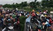 Người dân rồng rắn tìm cách về quê khi TP Hồ Chí Minh giãn cách xã hội thêm 1 tháng
