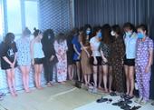 13 cô gái và 9 nam thanh niên thác loạn ma túy trong quán karaoke