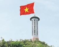 Cờ đỏ sao vàng trong trái tim người dân nước Việt