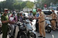 Thủ tướng yêu cầu UBND TP Hà Nội điều chỉnh nội dung bất cập trong cấp giấy đi đường