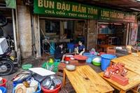 Hàng quán ở Hà Nội tất bật chuẩn bị mở bán trở lại