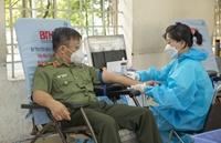 Hơn 350 giảng viên, học viên Đại học An ninh hiến máu cứu người