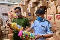 Hà Nội phát hiện, thu giữ gần 10 tấn bánh kẹo 3 không dịp cận Tết Trung thu