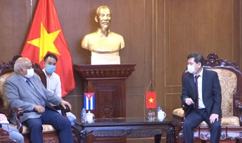 Viện trưởng Lê Minh Trí tiếp Đại sứ đặc mệnh toàn quyền Cuba tại Việt Nam