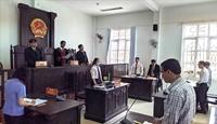 Viện kiểm sát chỉ ra vi phạm trong quyết định đình chỉ giải quyết vụ án của Tòa án