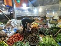 """Chợ Tam Hiệp hoạt động """"chui"""" như chợ đầu mối, bất chấp quy định"""
