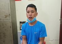 Thiếu tiền đánh bạc, bắt cóc con ruột sang Trung Quốc gán nợ