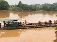Bắt quả tang đối tượng sử dụng thuyền bơm hút cát trái phép trên sông Đồng Nai