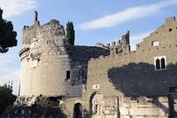 """Giải mã lớp tường thành """"tự phục hồi"""" vây ngôi mộ của nữ quý tộc quyền lực 2 100 năm tuổi"""