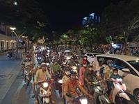 Nhiều người bị xử phạt ở phố đi bộ Nguyễn Huệ