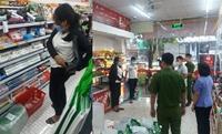 Quái chiêu của hai vợ chồng chuyên đột nhập siêu thị trộm cắp tài sản